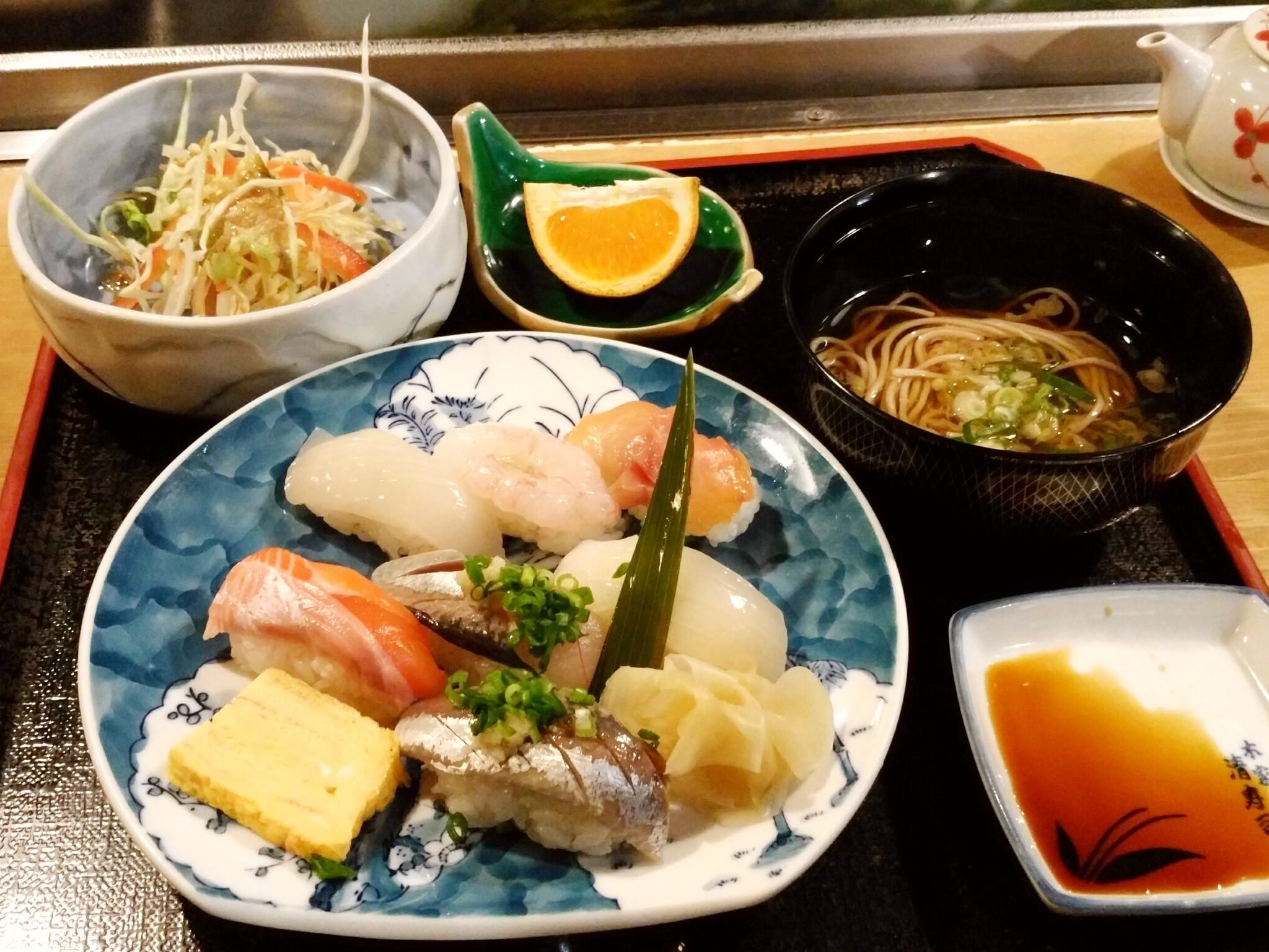 寿司屋でランチ